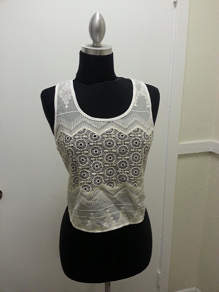 1946-GARMENT / XL / Crochet Embroider Lace Tank / Color Off White