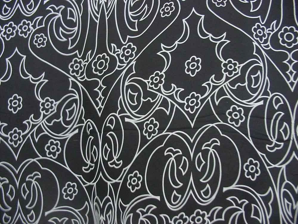 582-1 / BLACK/WHITE         / SILK CHIFFON PRINT 8 M/M