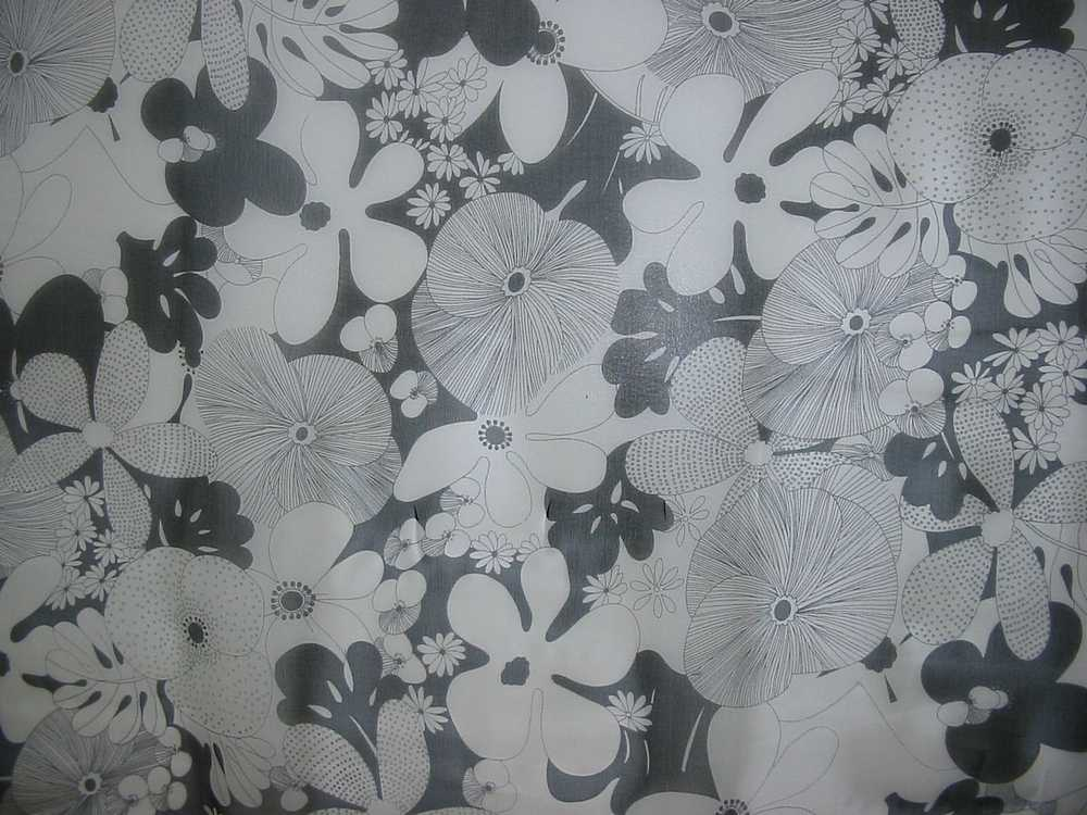 #10870-23 / WHITE/BLACK                 / SILK CHIFFON PRINT 8 M/M, 100% SILK