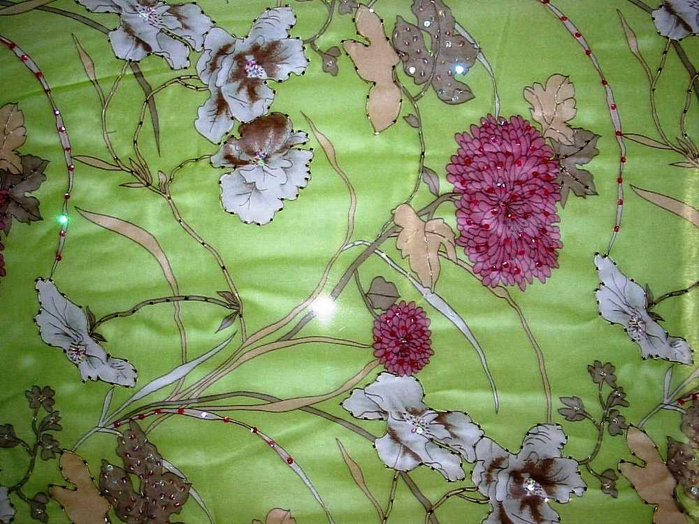 GP441/10101 / LIME                 / SILK CHIFFON PRINT W/ BEADS 8 M/M