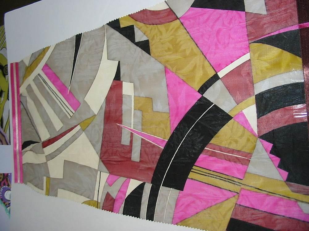 FIE-206-427 / #1 RED         / 100% Silk  Silk Chiffon Print 6 M/M