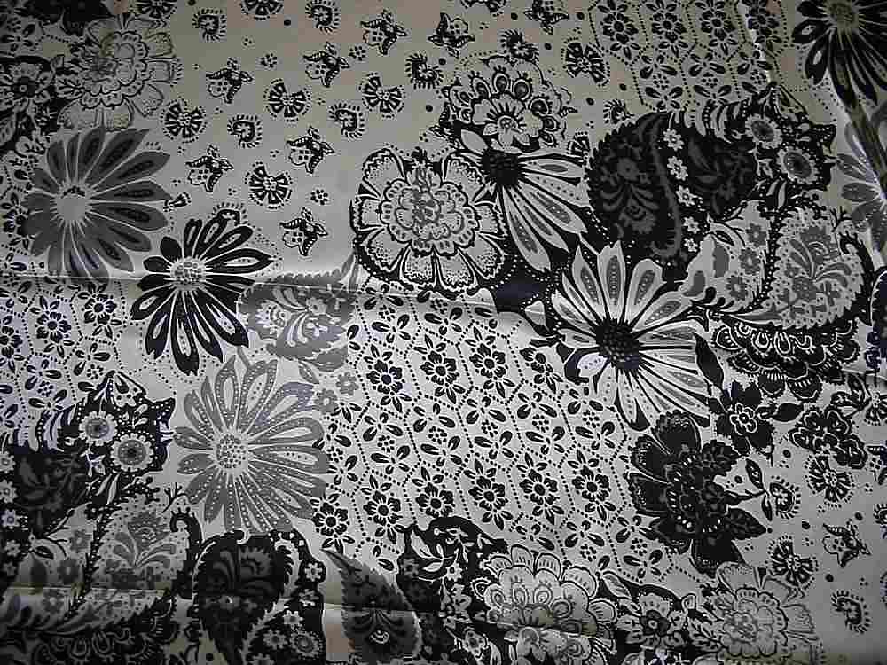 FIE-206-472-4 / IVORY/BLACK         / SILK/COTTON VOILE PRINT 13 M/M, 48% SILK/52% COTTON