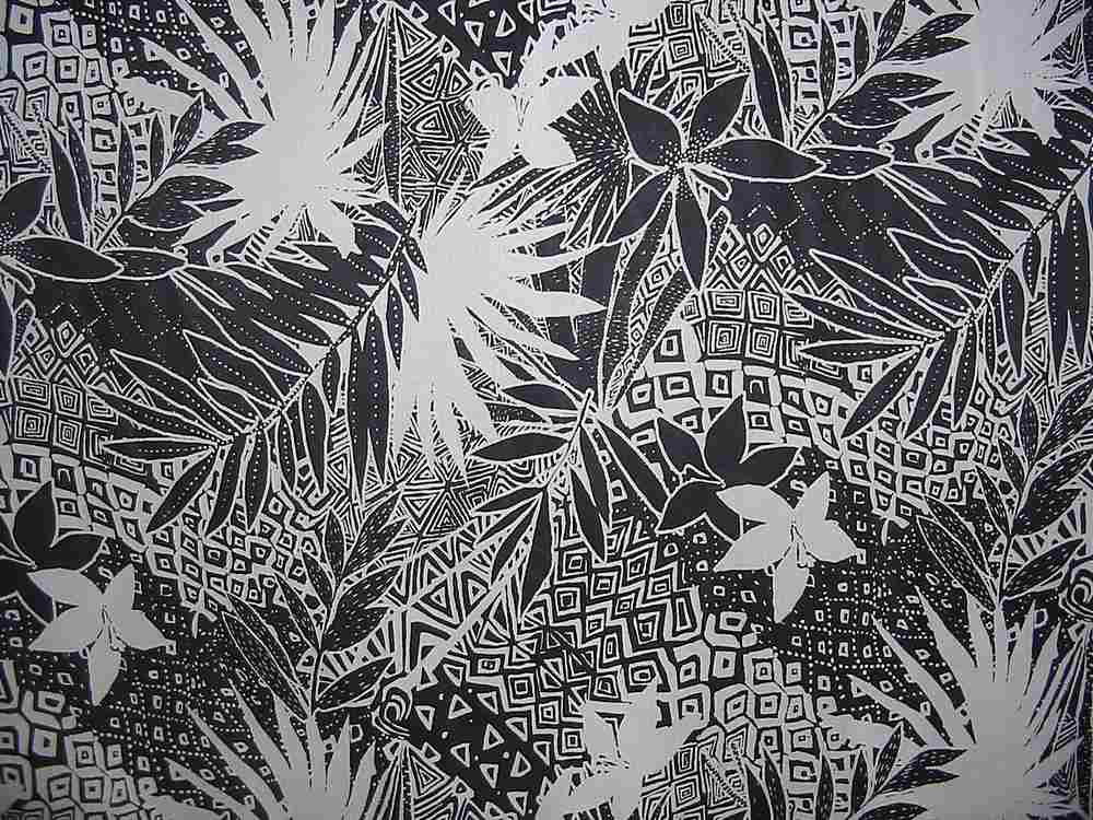 H0508095 / BLACK/WHITE         / 100% Silk Chiffon Print
