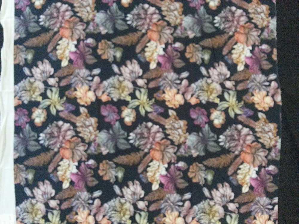 2569-64 / BLACK/MULTI         / 100% Rayon Gauze Print