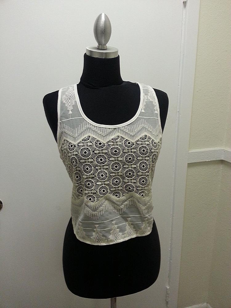 1946-GARMENT / XS         / Crochet Embroider Lace Tank / Color Off White