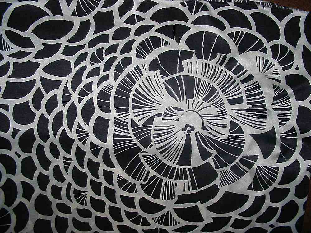 FIE-206-458-5 / WHITE/BLACK     / SILK JERSEY KNIT 145 GRAMS